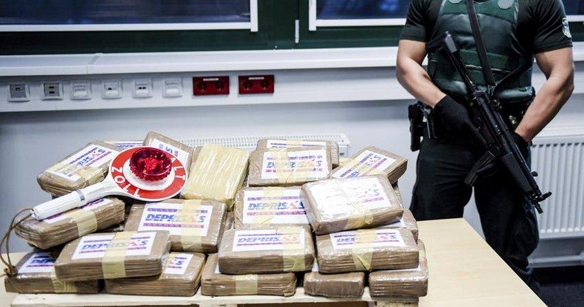 Alman gümrüklerinde 2017de 7 ton kokain ele geçirildi