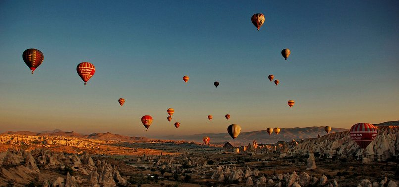 HOT AIR BALLOON RIDE IN TURKEYS CAPPADOCIA ATTRACTS OVER 329,000 TOURISTS