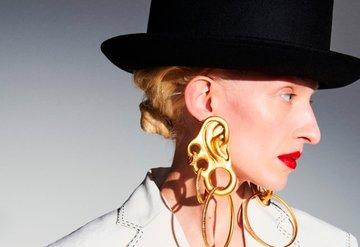 Schiaparelli, Paris Couture Haftası'nı Açtı