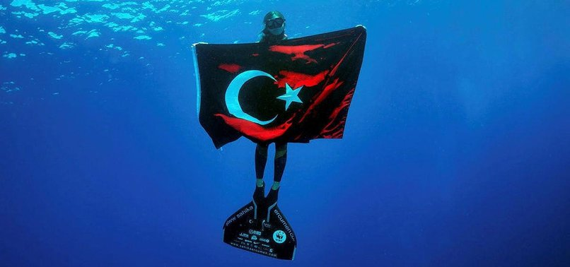 FIRST TURKISH WOMAN TO FREE DIVE IN FROZEN CONTINENT