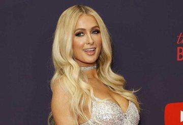 Paris Hilton nişanlandı