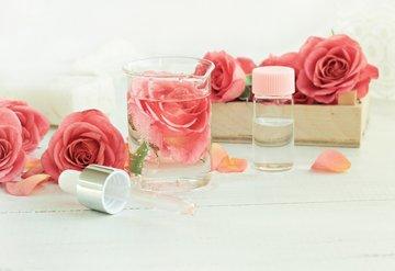 Gül suyunun faydalarını güzelliğinize yansıtın!