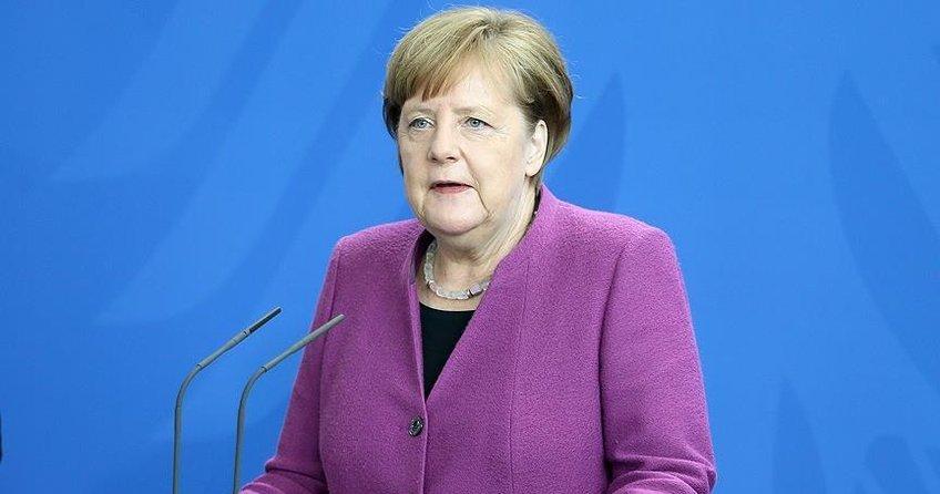 Merkel, Almanyanın olası Suriye operasyonu için kararını açıkladı
