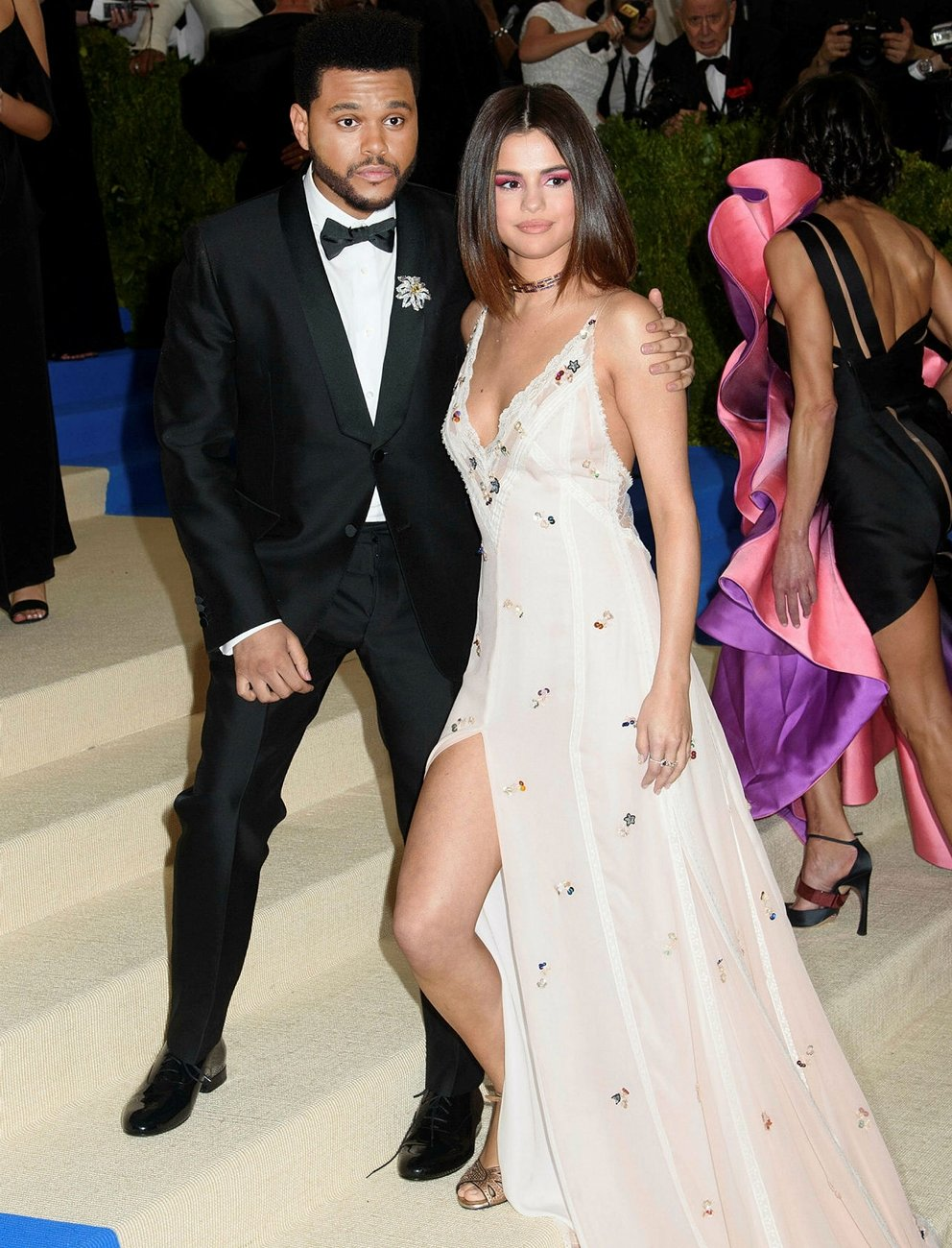 SELENA GOMEZ VE THE WEEKND AYRILDI!