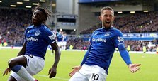 Everton beat West Ham to move out of relegation zone