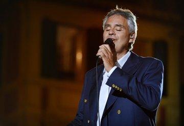 Andrea Bocelli corona virüse yakalandı