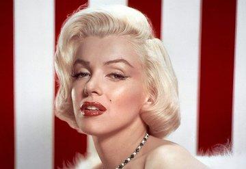 Marilyn Monroenun kıyafetleri açık arttırmada