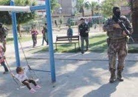 Adana'da çocuk parkından fışkırdı! Polis bile bu kadarını beklemiyordu