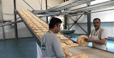Turkish agency provides 750,000 breads to Syrians daily