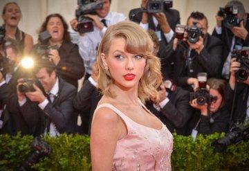 Taylor Swift dünyanın en çok kazanan ünlüsü!