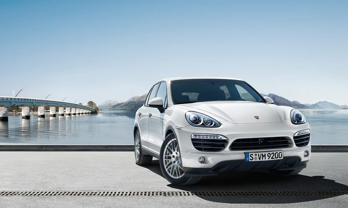 PORSCHE CAYENNE'İN COUPE'Sİ