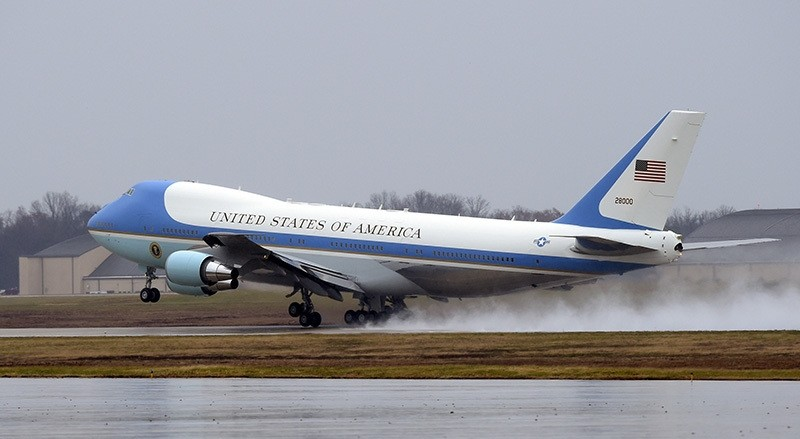 Air force One, with President Barack Obama aboard, takes off from Andrews Air Force Base, Md., Tuesday, Dec. 6, 2016 (AP Photo)