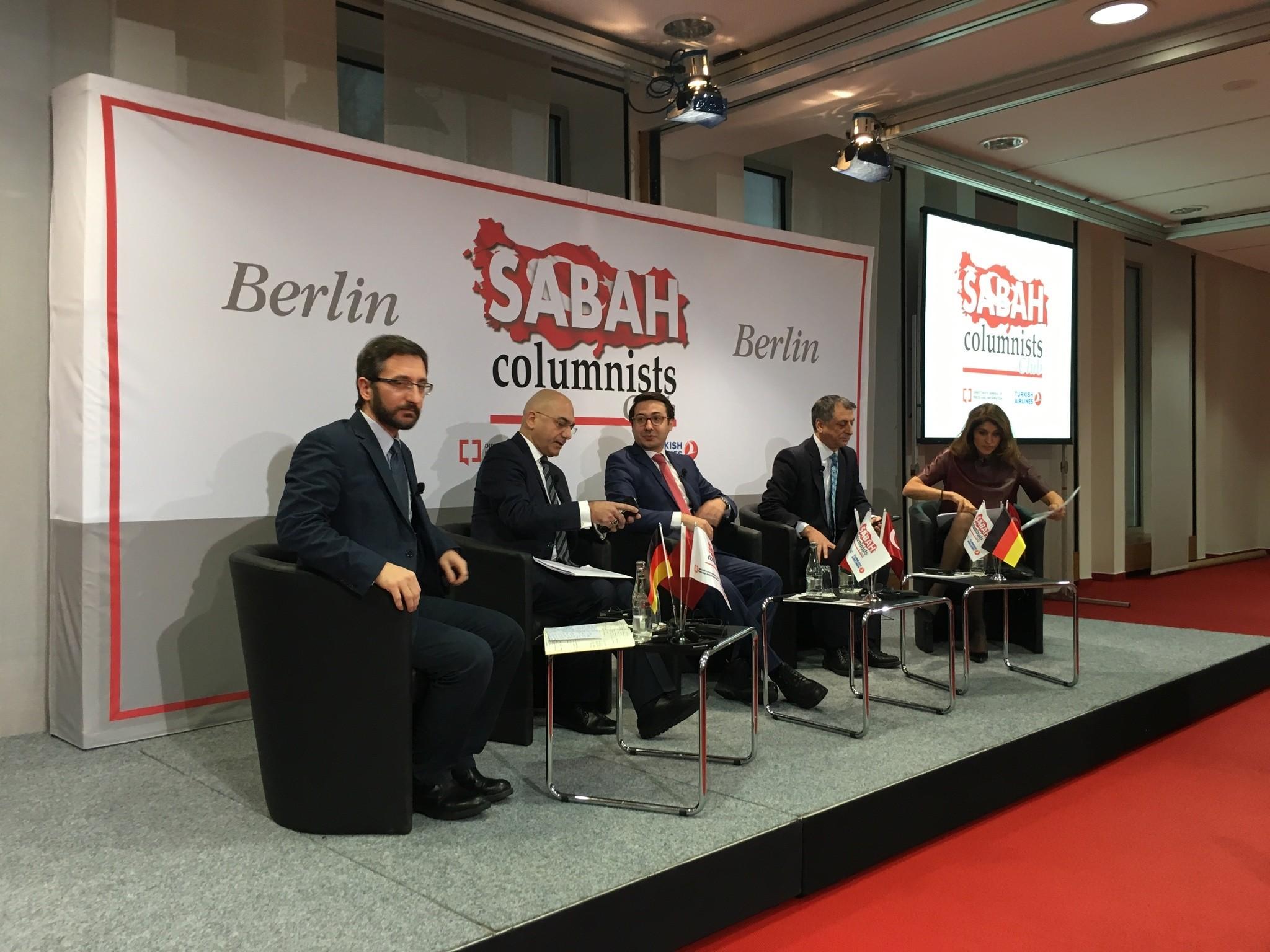 From L-R: Assoc. Prof. F. Altun, Former EP Ozan Ceyhun,  DS Editor-in-Chief Serdar Karagu00f6z, columnists Mahmut u00d6vu00fcr & u015eelale Kadak (Photo: @kaanelbir)