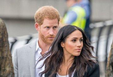 Prens Harry ve Meghan Markledan zeytin dalı!