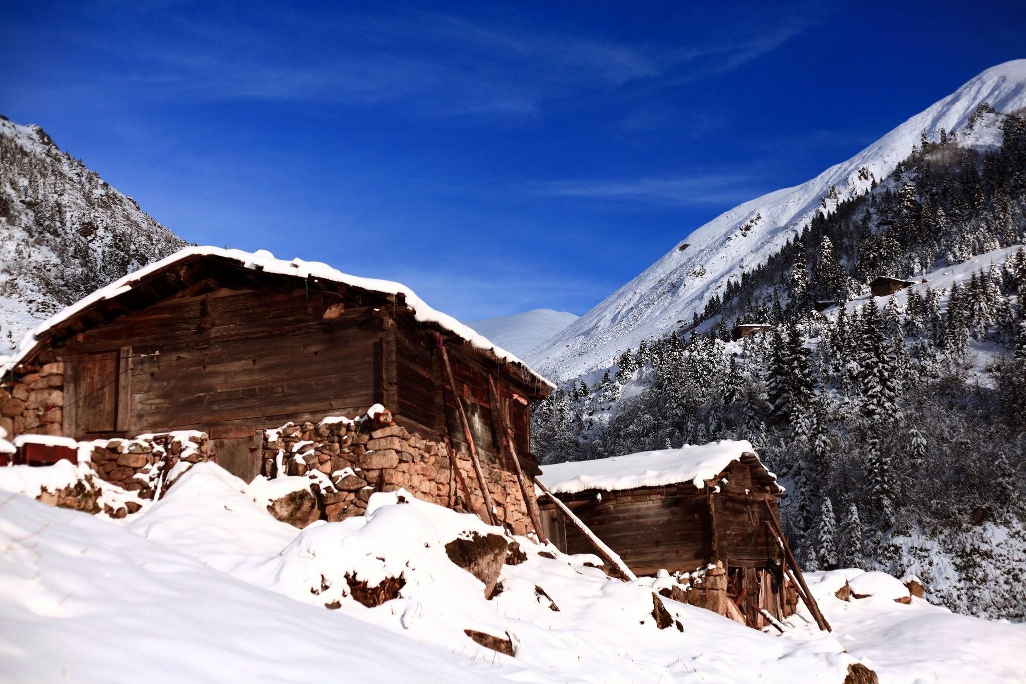 The foothills of Kau00e7kar Mountains