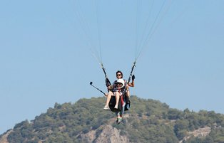 Female pilots offer tourists opportunity to fly high above stunning Fethiye landscape