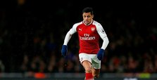Sanchez left out of Arsenal squad as United prepare to seal deal