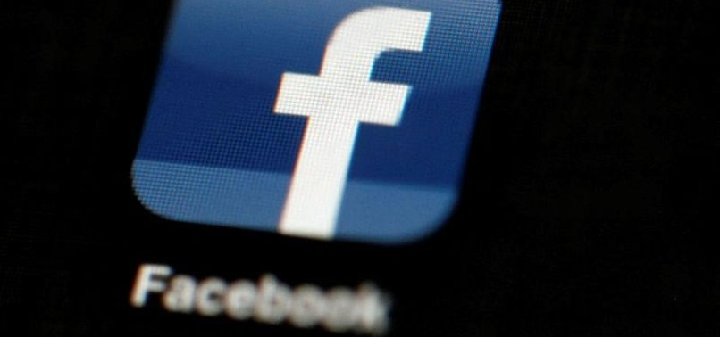 FACEBOOK SIGNS MUSIC LICENSING DEAL WITH WARNER