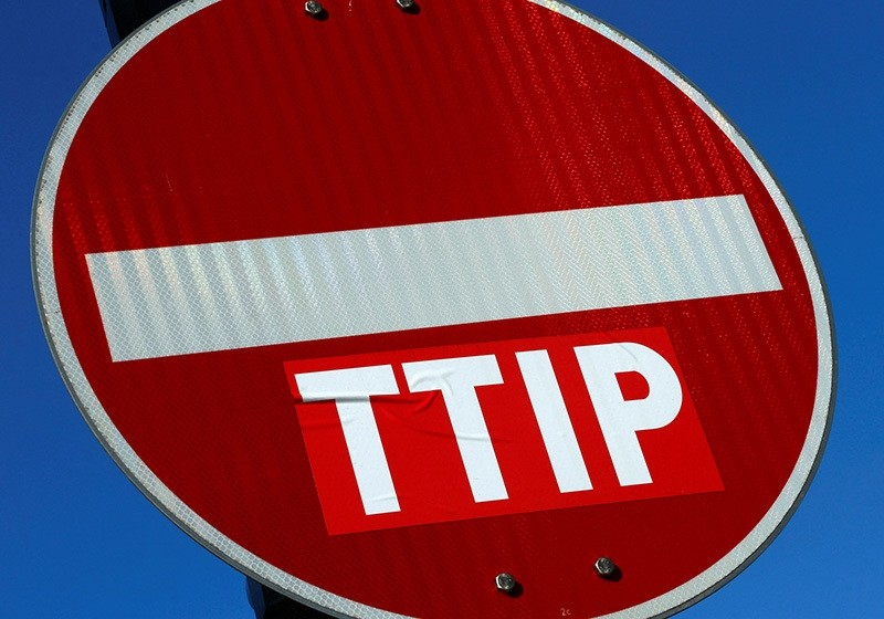 A sign against the Transatlantic Trade and Investment Partnership (TTIP) free trade agreement is pictured in Frankfurt, Germany, March 26, 2016. (Reuters Photo)