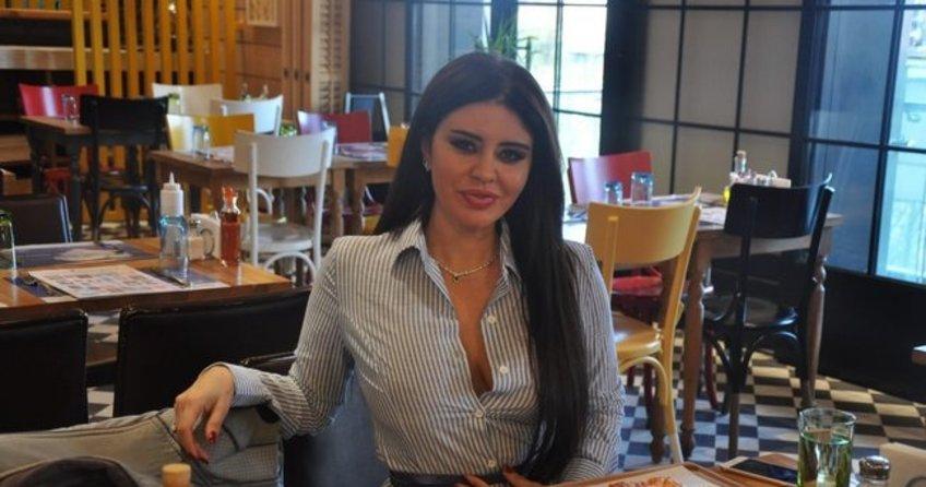 Hayranından Şarkıcı Ebru Polat'a 100 bin dolarlık teklif