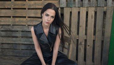 """Zeynep Doruk """"UNUTMASINLAR"""""""