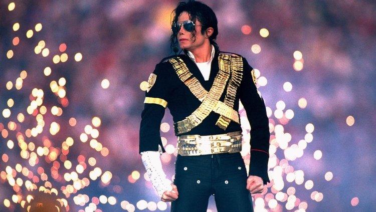 Michael Jackson'ın eldivenin fiyatı dudak uçuklattı!