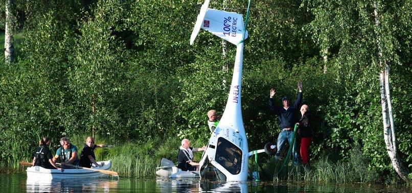 NORWAYS FIRST BATTERY-POWERED PLANE CRASH LANDS ON LAKE