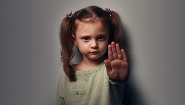 Çocuklarımıza Kendini Korumayı Nasıl Öğretmeliyiz?