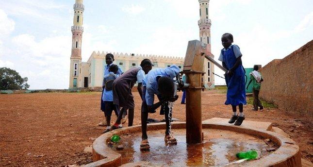 Haydi gençler su kuyusu açmaya