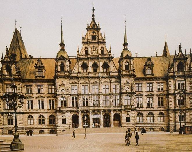 Belediye binası, Wiesbaden