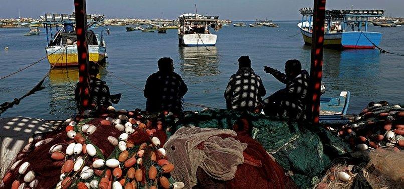 ISRAELI NAVY ARRESTS 10 FISHERMEN OFF GAZA SHORES