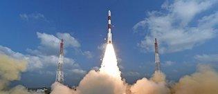 Hindistan uzaya tek seferde 104 uydu gönderdi, rekor kırdı