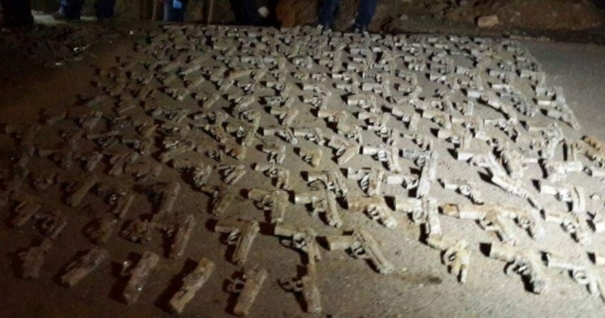 Üsküdar'da çok sayıda tabanca bulundu