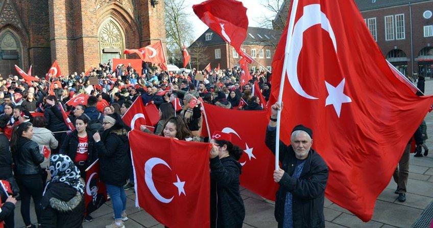 Berlin'de Afrin kutlaması