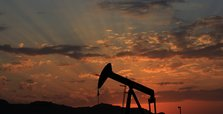 Iraq's Kurdish region to hand over oil to Baghdad
