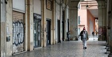 Italy reports 420 new coronavirus deaths, 8,561 cases