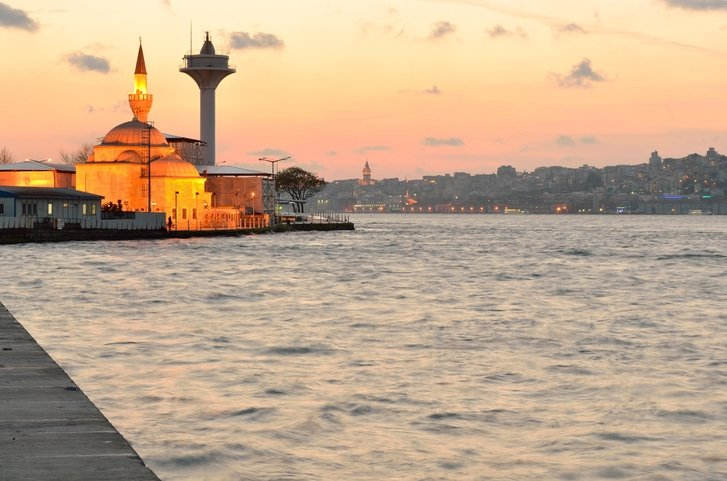 3 spectacular Istanbul mosques along Bosphorus