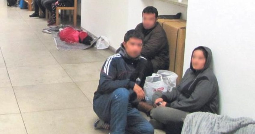 Kamyon kasasından 21 mülteci çıktı