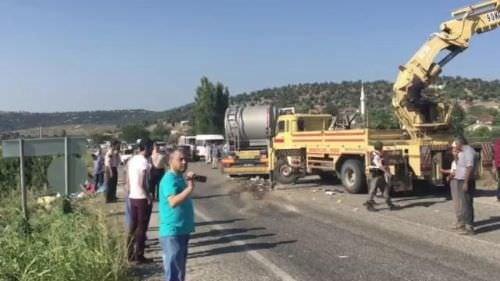 Manisa'da katliam gibi kaza: 15 kişi hayatını kaybetti