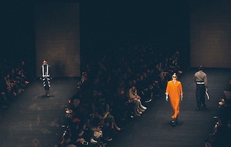 """Mercedes-Benz Fashion Week Istanbul: Giray Sepin   Sonbahar-Kış..."