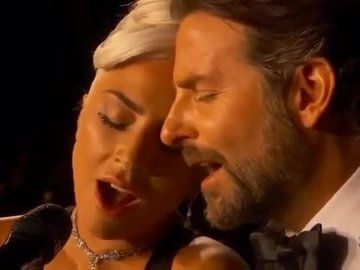 Lady Gaga ve Bradley Cooper'ın Shallow Performansı (Oscar)