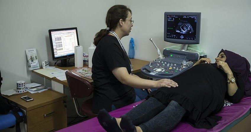 Anne karnındaki bebeğe akciğer ameliyatı