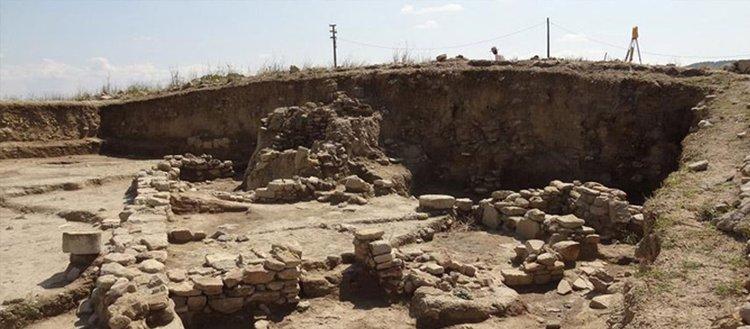 Çanakkale'de 2 bin 500 yıllık yayık kabı bulundu