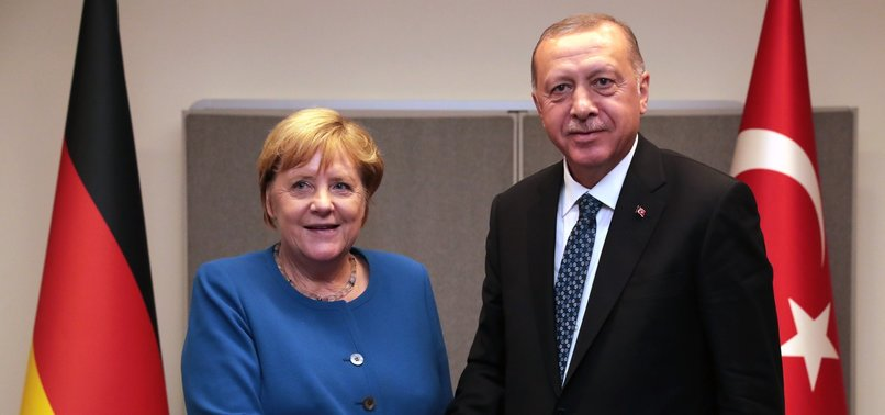 ERDOĞAN MEETS WITH GERMANY'S MERKEL, PAKISTAN'S KHAN