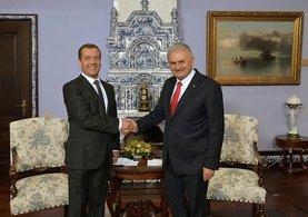 Binali Yıldırım ve Medvedev'den ortak basın açıklaması