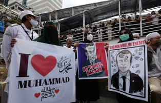 Indonesian Muslims take to Jakarta streets to protest France over Islamophobic Charlie Hebdo cartoons