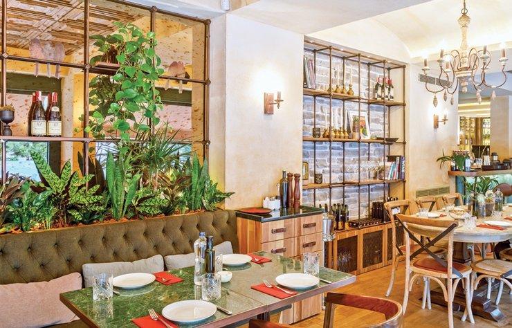 Bundan böyle hem saat 15.00'e kadar kahvaltı edebileceğiniz hem şarküteri alışverişi yapabileceğiniz hem de gecenin geç saatlerine kadar İtalyan lezzetlerini keşfedebileceğiniz bir mekanınız var: Milano Gourmet.
