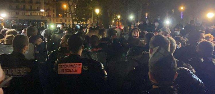 Paris'te polis, kamplarını dağıttığı sığınmacıları sokak sokak kovaladı