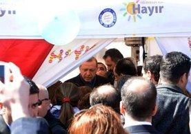 Cumhurbaşkanı Recep Tayyip Erdoğan 'Hayır' çadırını ziyaret etti