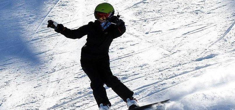 CRYSTAL SNOW IN TURKEY'S CIBILTEPE DAZZLES SKIERS
